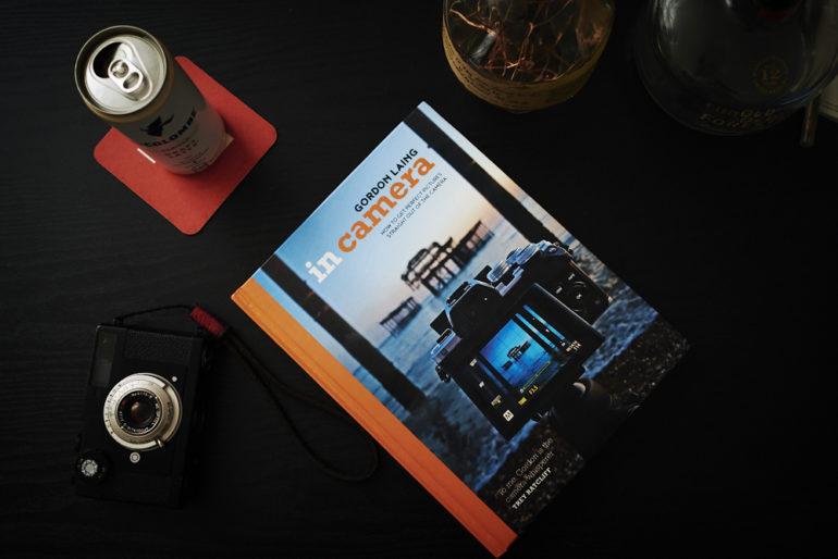 Ulasan Buku: Gordon Laing In's Camera