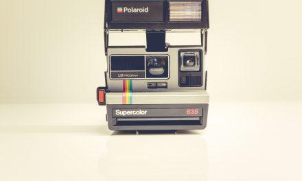 Polaroid mahu Fujifilm membayar berjuta-juta royalti untuk format Instax Square